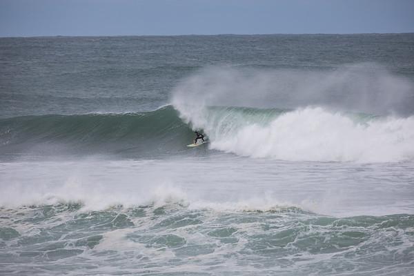 Surfing Bateau Bay