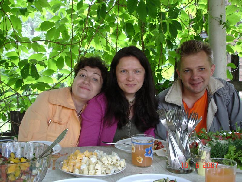 2007-06-10 У Князевых на даче 12.jpg