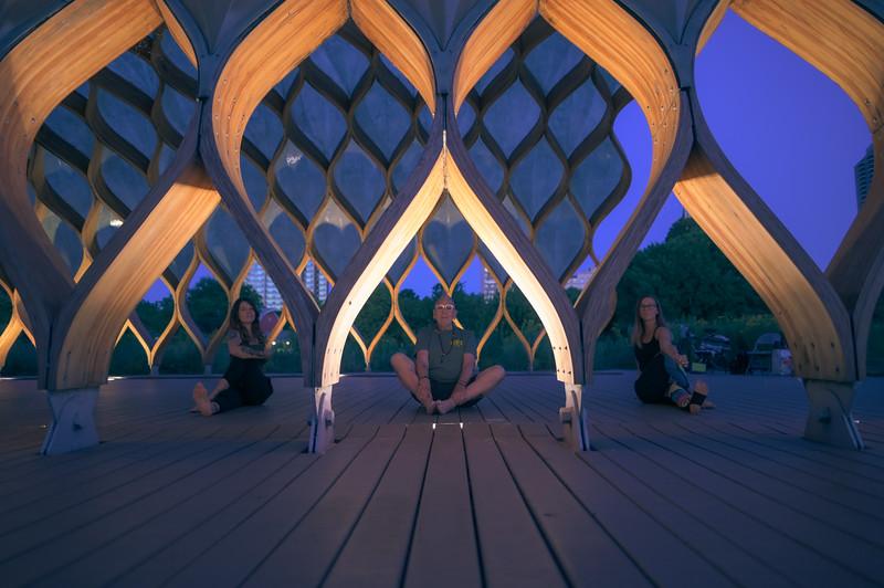 Online Yoga - Lincoln Park Shoot-435.JPG