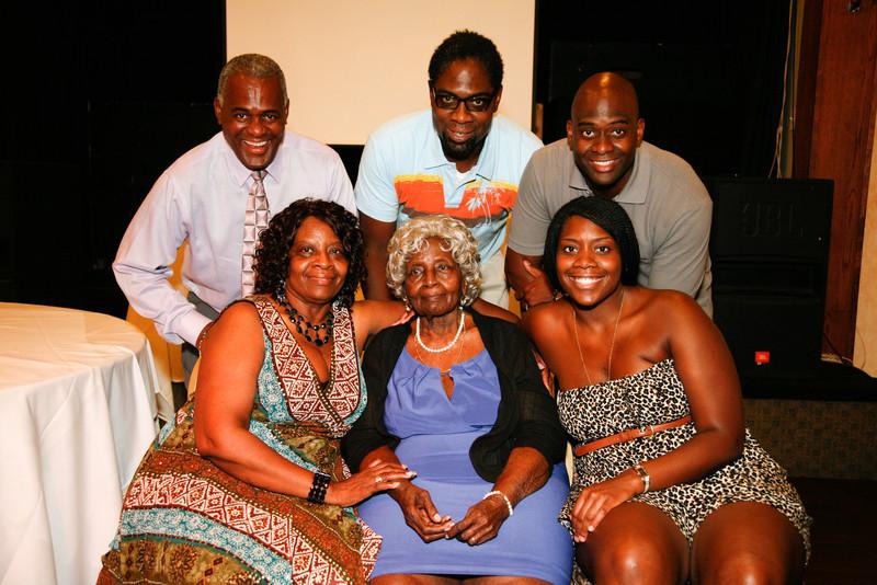 Edouard Family Reunion-3769.jpg