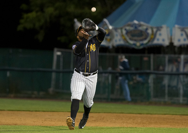 09/06/19 Wesley Bunnell | StaffrrThe New Britain Bees vs the Lancaster Barnstormers on Friday night at New Britain Stadium. Jason Rogers (9) catches a pop up near first base.