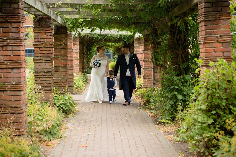 Mr and Mrs Lee-180.jpg