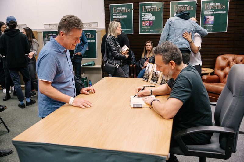 2019_2_28_TWOTW_BookSigning_SP_555.jpg