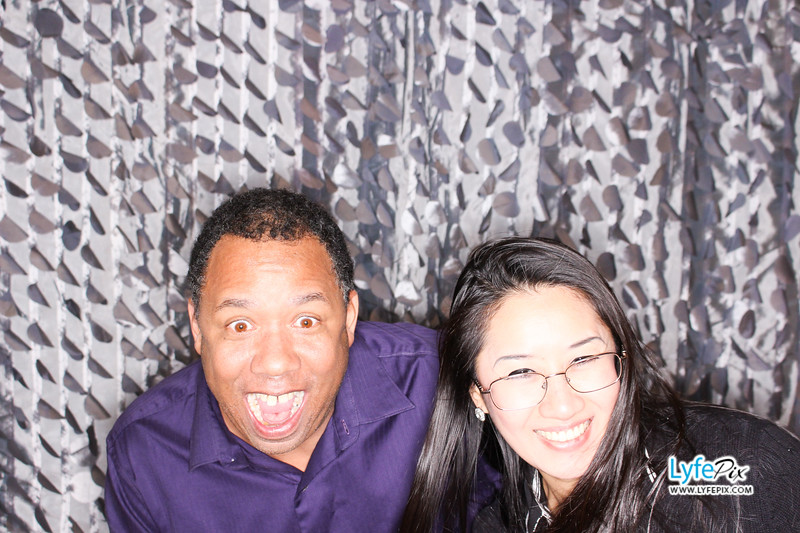 red-hawk-2017-holiday-party-beltsville-maryland-sheraton-photo-booth-0276.jpg