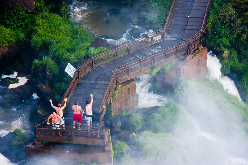 iguazu-men-on-bridge_6047193355_o.jpg