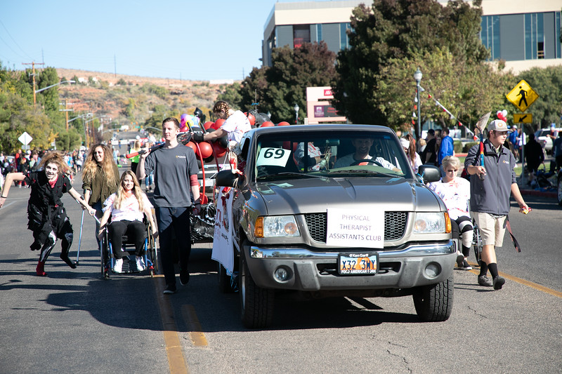 HOMECOMING PARADE 2019-2318.jpg