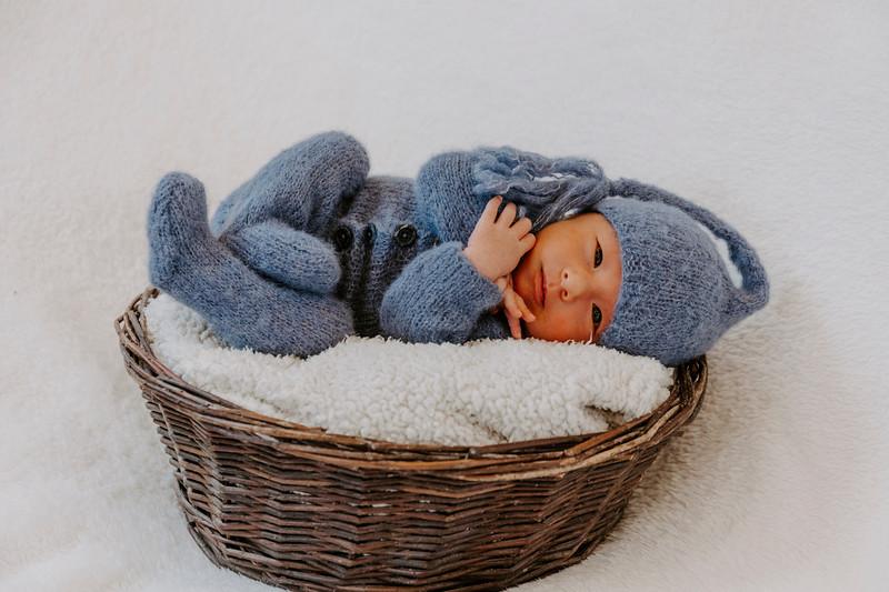 newborn-harrison_1.jpg