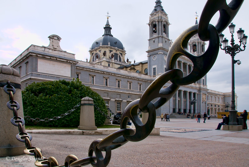 Tue 3/08 in Madrid: Cathedral Almudena adjacent to the Royal Palace