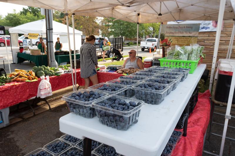 Del Ray Farmers Market 208.jpg