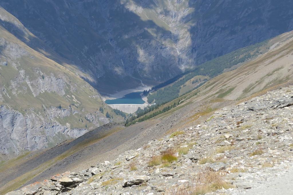 Uniek zicht van boven op het Fort. Lac Rochemolles halverwege Pointe Sommeiller
