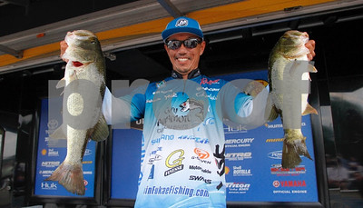 texas-resident-fukae-leads-tight-race-at-bassmaster-open-on-james-river