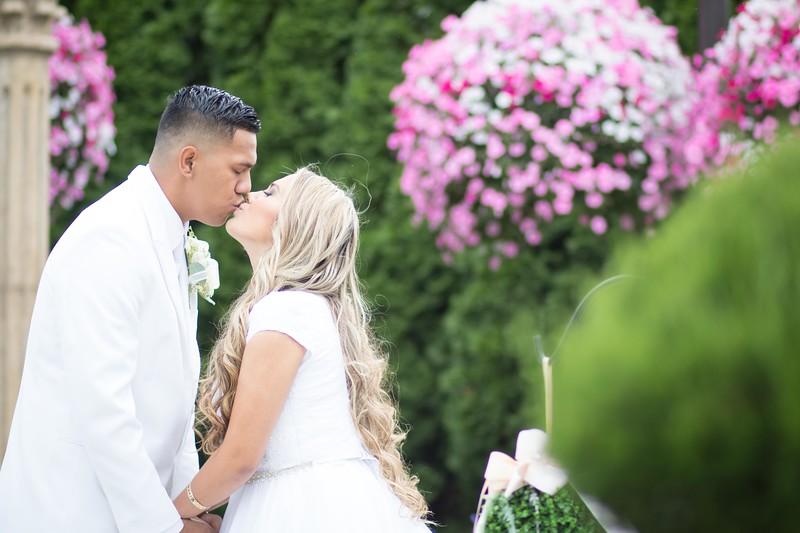 Farmer Wedding Social Media Pictures-5.jpg