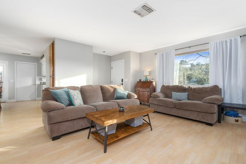 4505 Lobos 10 Living Room.jpg