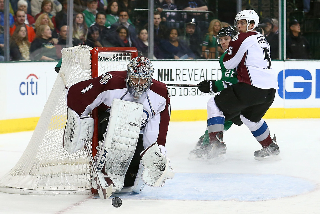 . Semyon Varlamov #1 of the Colorado Avalanche makes the stop against the Dallas Stars in the first period at American Airlines Center on January 27, 2014 in Dallas, Texas.  (Photo by Tom Pennington/Getty Images)