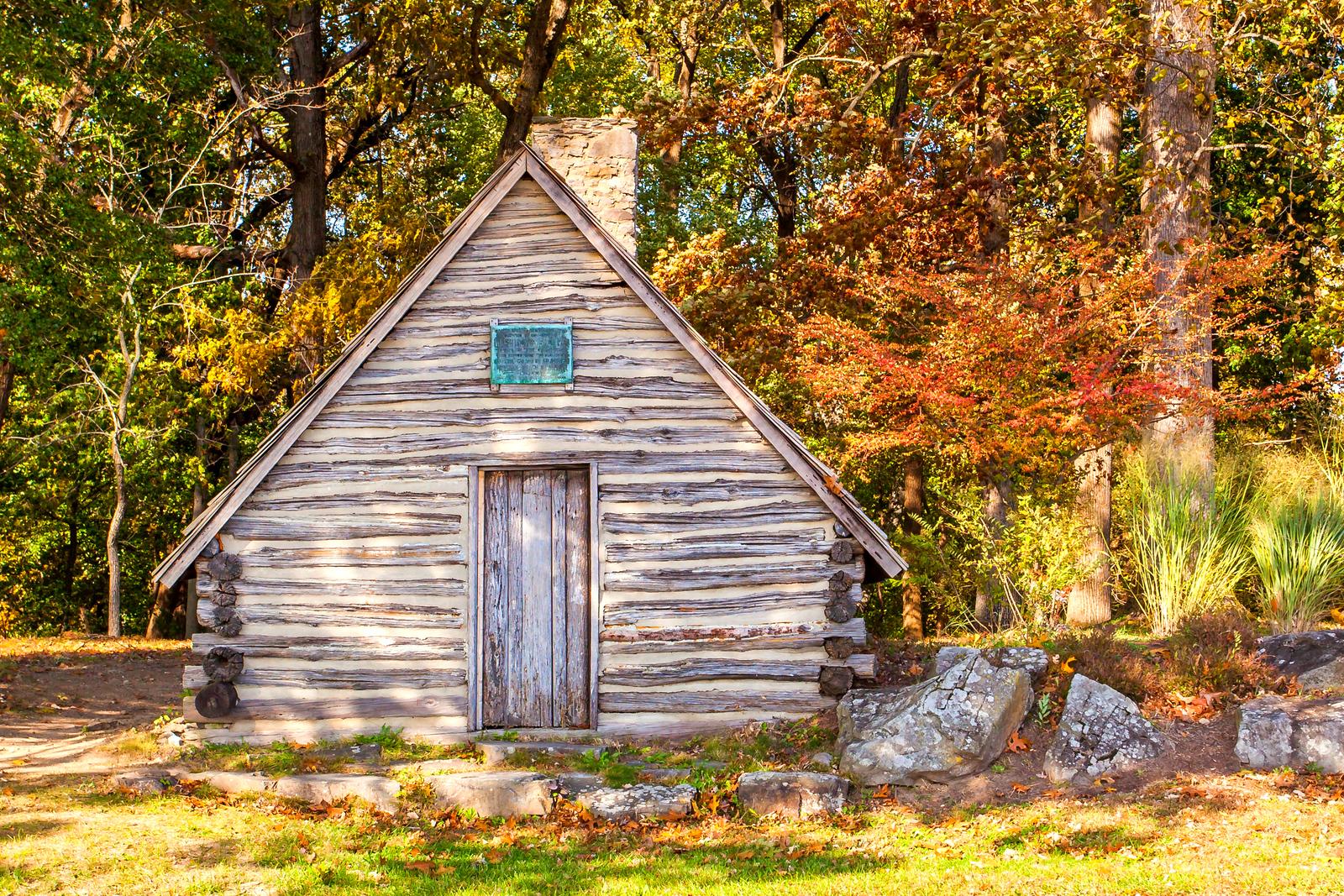 賓州的福吉谷(Valley Forge),樹林里的小木屋