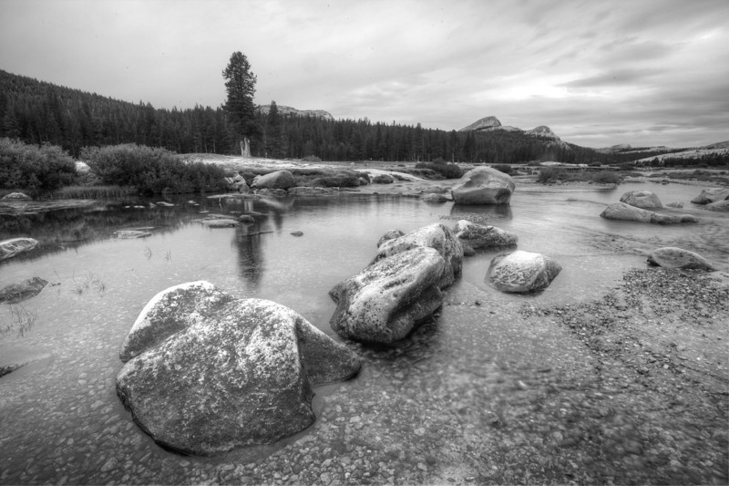 Yosemite_20130723_126_7_8_tonemapped.jpg