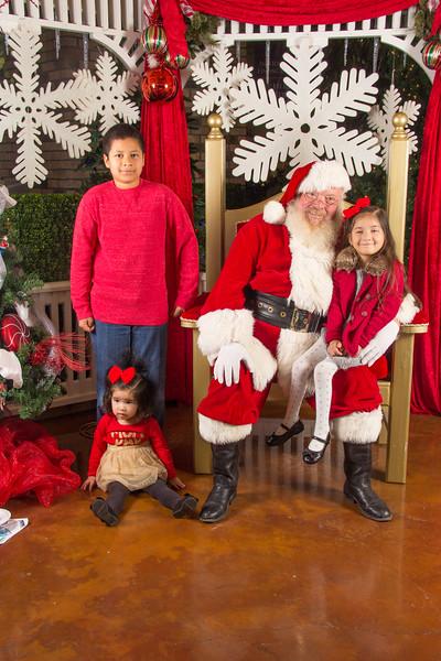 Santa 12-16-17-326.jpg