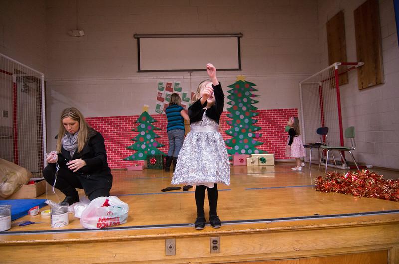 12.17.2014 - Riverview Co-Op Preschool Christmas Program - _CAI6106.jpg