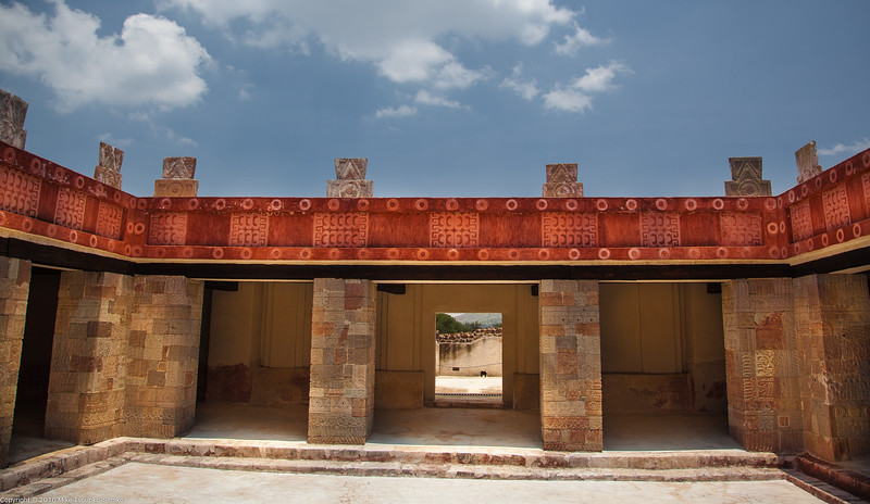 Living quarters near the Pyramid of the Moon, Teotihuacan, Mexico.jpg