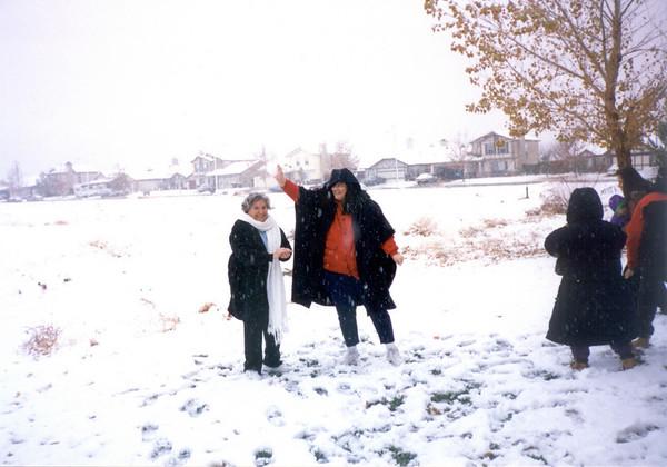 Nevada en Lancaster con Abuela Lupe 1995