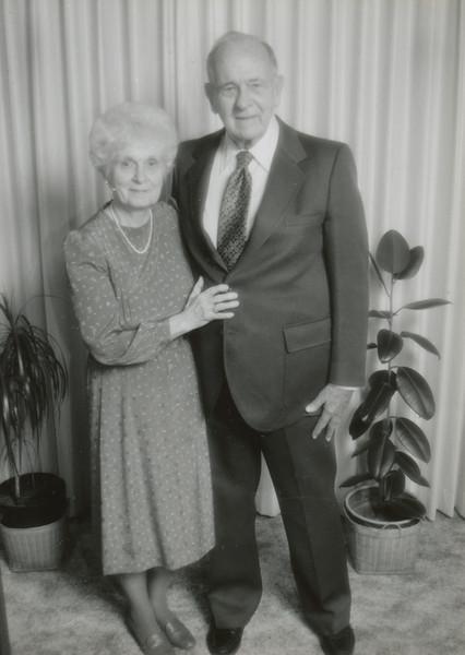 Eileen & Ellis Sullivan 1997 (50 years).jpg