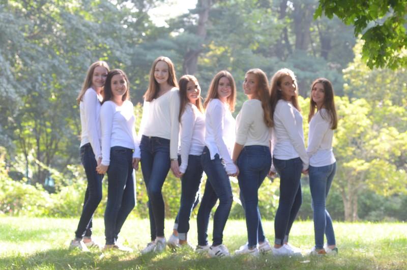 Julia Friend Group Pics - 115 of 308.jpg