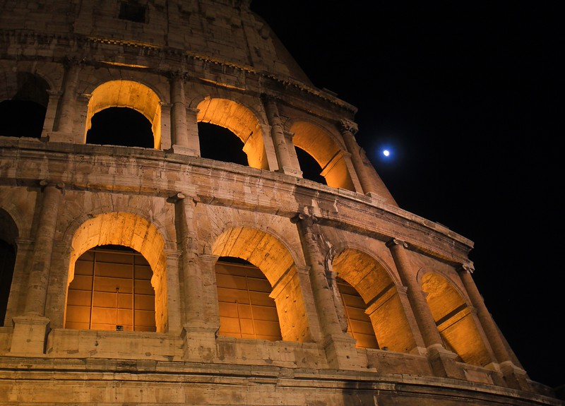 AITALY 2015,11 183A, SMALL, Colosseum at night, Rome.jpg
