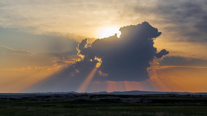 sun w cloud on the plains -3165.jpg
