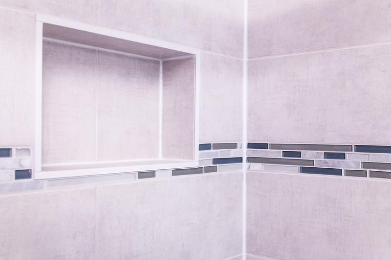 Chris 1 bathroom-8178.jpg