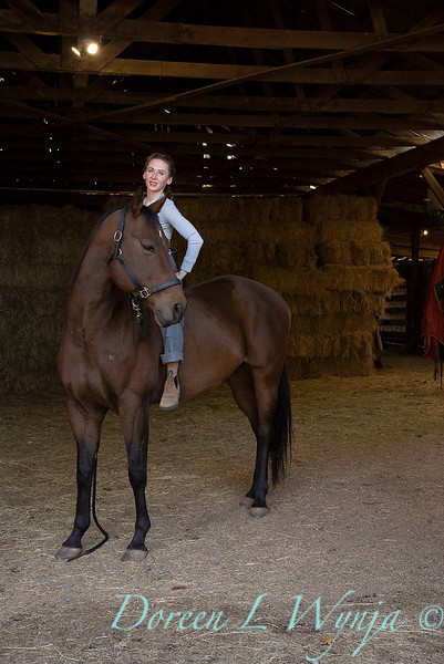 Girl and her horse_158.jpg