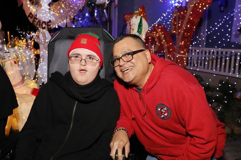 12-08-19-Christmas With Chris & Family-79.jpg