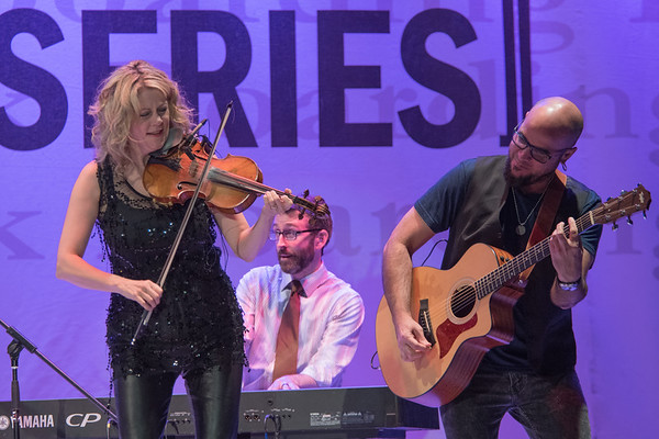 Natalie MacMaster & Donnell Leahy @Boarding House Park