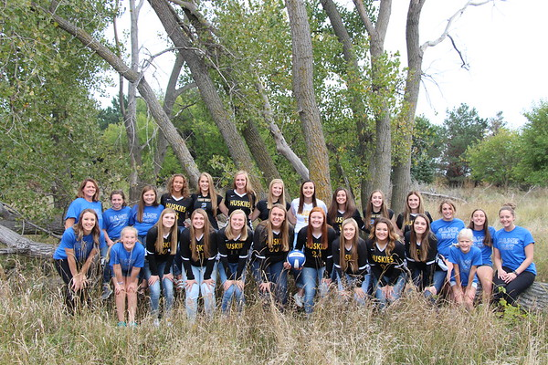 2018 Volleyball Team Pictures
