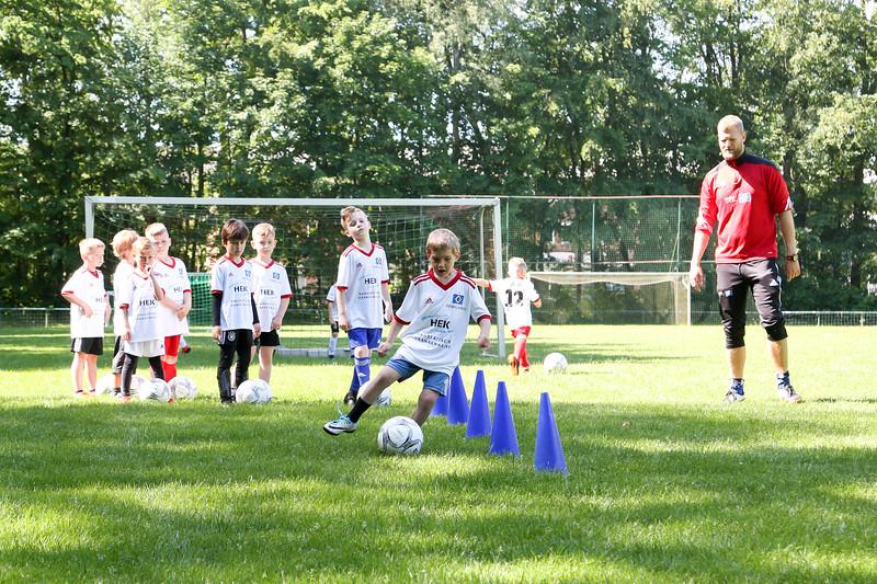 hsv_fussballschule-125_48047990733_o.jpg