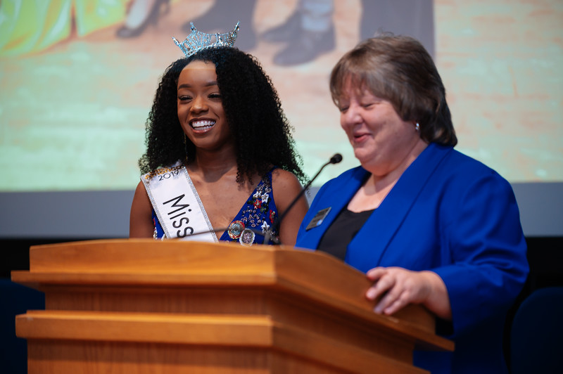 20191110_Miss Indiana Send Off-0294.jpg