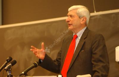 22046 Marvin Kalb Journalism lecturer speaker