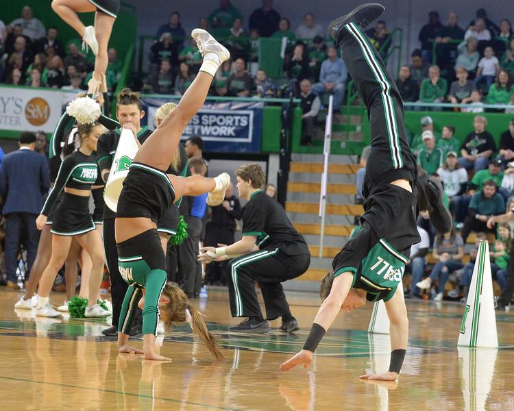 cheerleaders4614.jpg