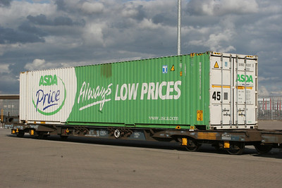 LDG1 - 9' tall 45' Palletwide Container