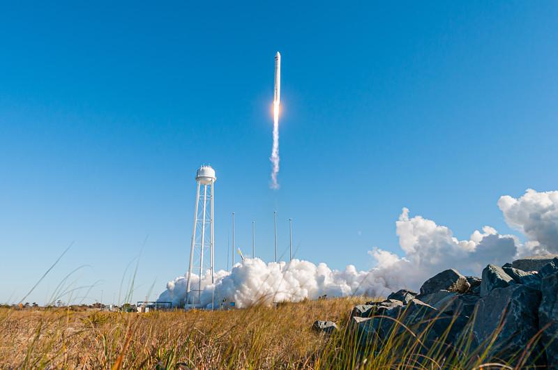 Antares launches Cygnus NG-12 (2019-11-02)