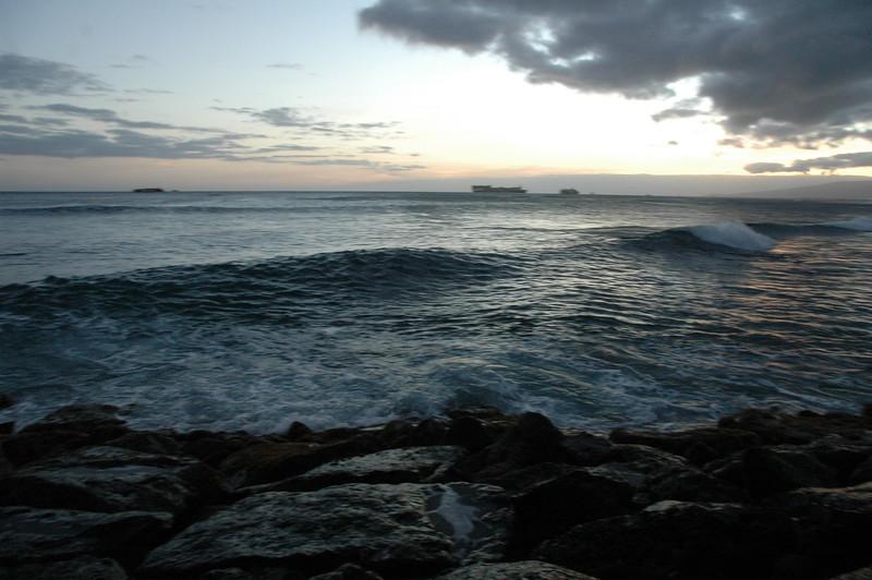 Hawaii - Ala Moana Beach Sunset-129.JPG