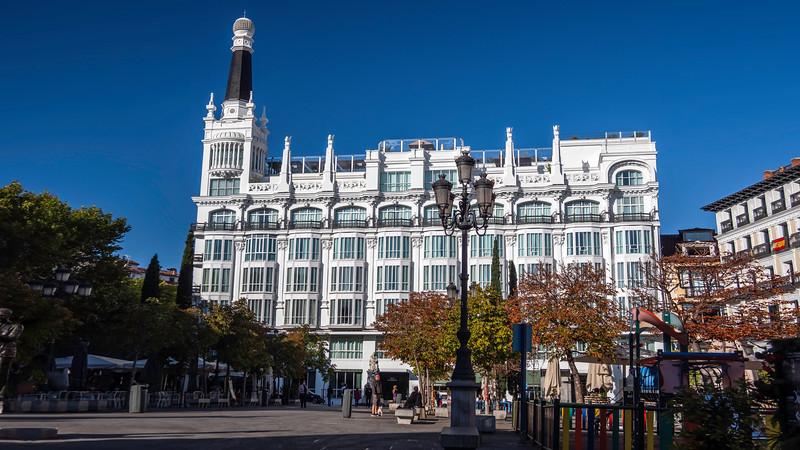 00100 ME Madrid Reina Victoria Hotel 16x9.jpg