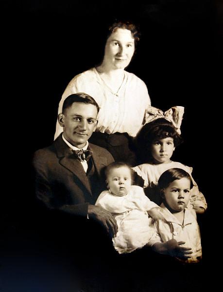 Grandma Grandpa Julia Bud Lillian.jpg