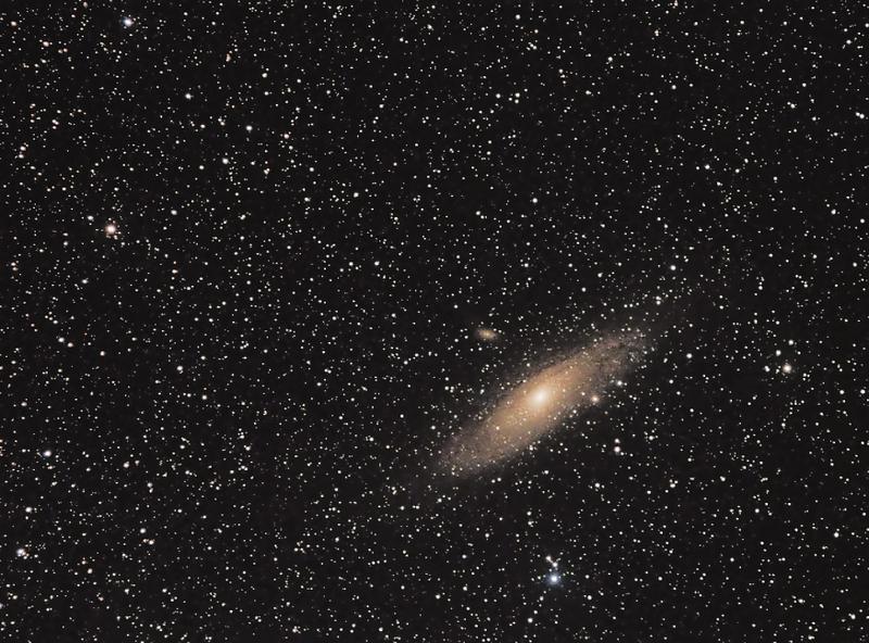 Galaxie M31 v Andromedě - 16.9.2015, Canon 350D full spectrum, Canon 55-250IS @ 130 mm, f/7.1, ISO 800, 24x60 s, dark, flat, bias