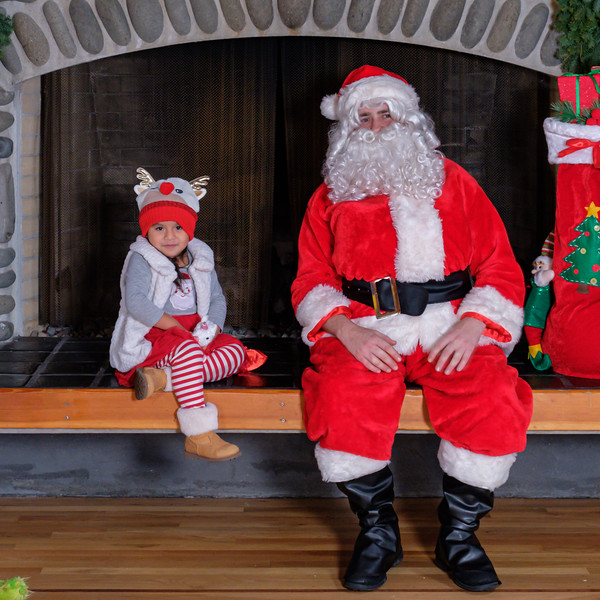 CB Santa 2019-7775.jpg