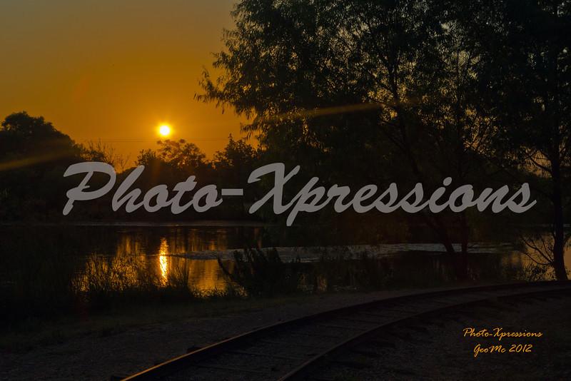 Landa Park sunrise2012-2739.jpg