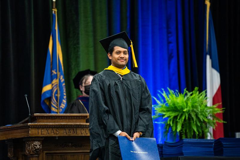 M21073-Graduation-01881.jpg
