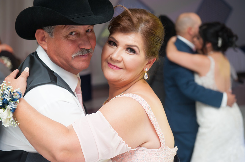 Estefany + Omar wedding photography-816.jpg