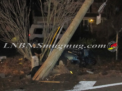 Manorville Car vs Pole Wading River Rd 2-14-12