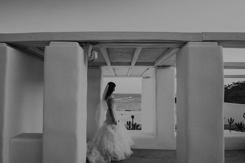 Tu-Nguyen-Destination-Wedding-Photographer-Mykonos-Katherine-Benji-414.jpg