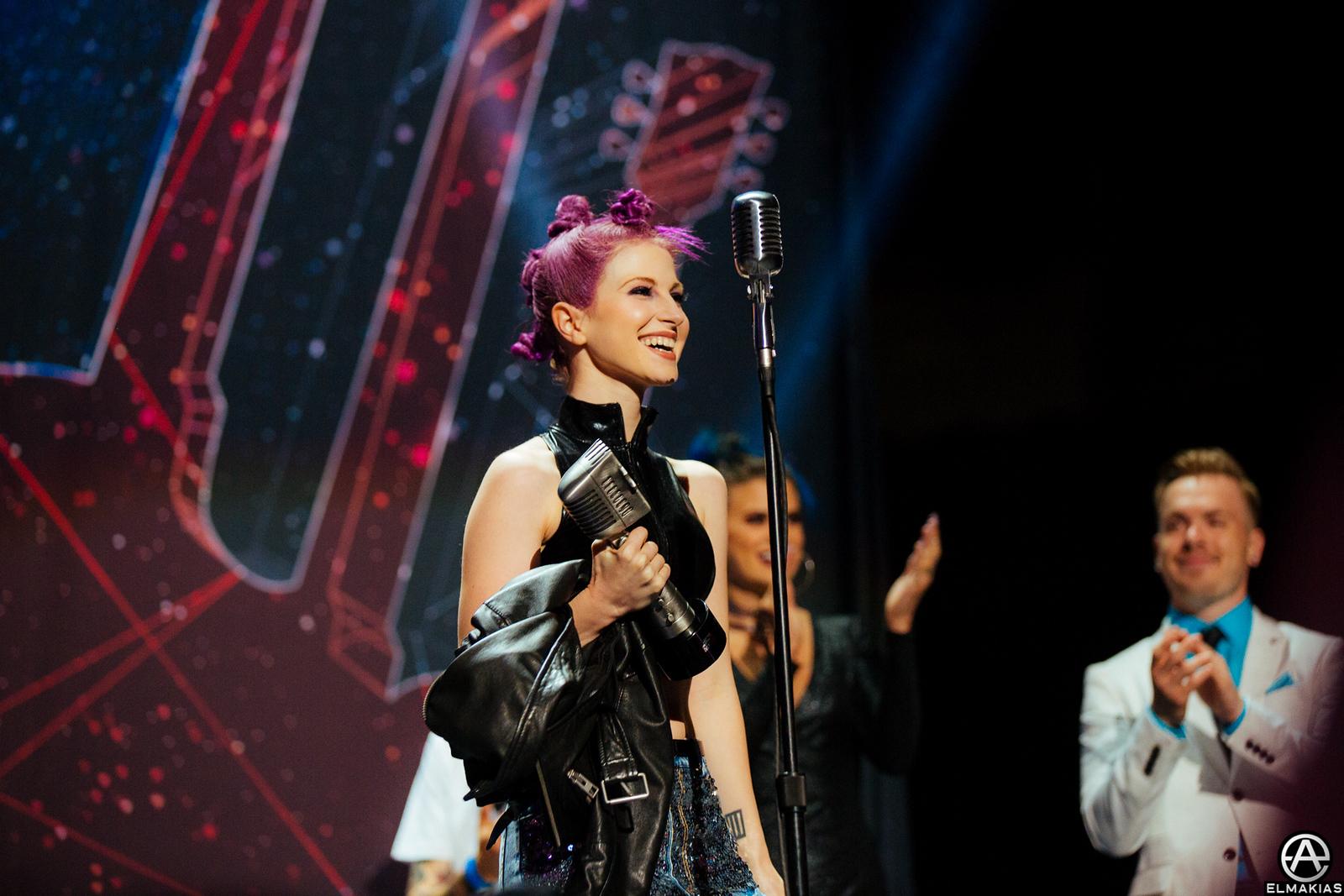 Hayley Williams of Paramore - Best Vocalist at the APMAs 2015 by Adam Elmakias